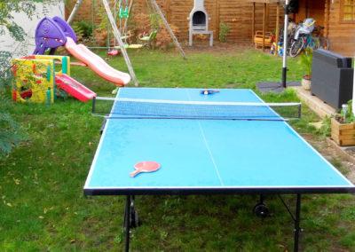 Tobogans, portique enfants et table de ping-pong